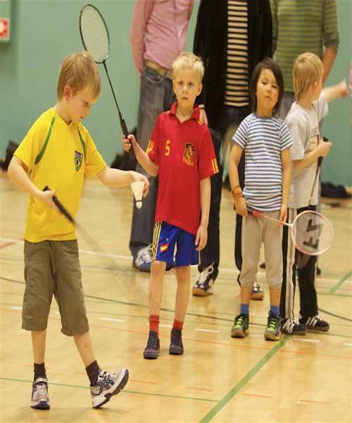 Badminton Børn – Begynder/let øvede 18/19