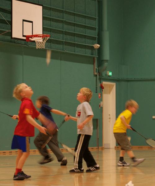 Badminton Børn – Begynder/let øvede 19/20
