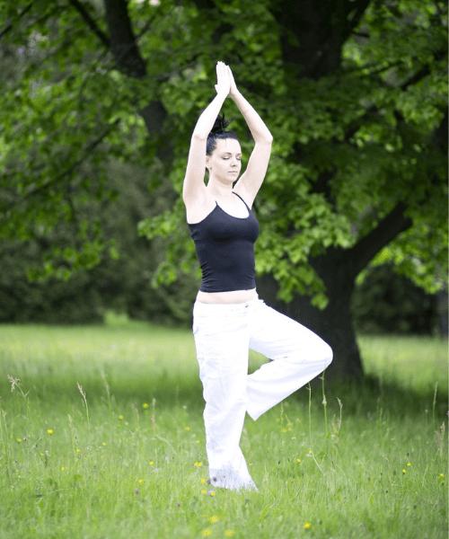 To Nye Hold: Yoga +18 år & Floorball +50 år